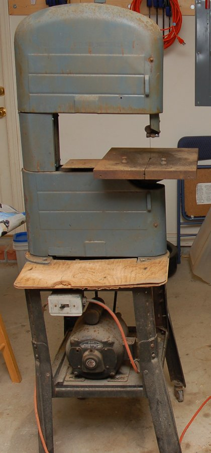 Craftsman bandsaw disassembly a blog devoted to my many hobbies you can faintly see the outline of the craftsman sticker that it used to wear wish i could find a replacement keyboard keysfo Choice Image